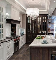 """6,477 curtidas, 36 comentários - Luxury (@rodeoand5th) no Instagram: """"Gorgeous kitchen! @rodeoand5thhomes #rodeoand5th #luxury #decor Kitchen Design by- Airoom Builders"""""""