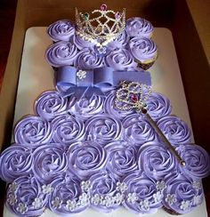 Sofia the first cupcake cake
