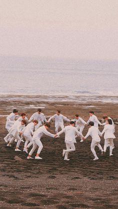 SEVENTEEN Wallpaper ❤️ Jeonghan, Woozi, Wonwoo, Seungkwan, Seventeen Lyrics, Going Seventeen, Hoshi Seventeen, Seventeen Debut, Kpop