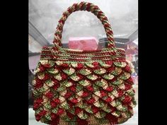 Mini crocodile crochet stitch (or sequin stitch) - Tejiendo Peru Pop Tab Purse, Diy Crochet, Tutorial Crochet, Crochet Handbags, Crochet Accessories, Straw Bag, Purses And Bags, Free Pattern, Diy And Crafts