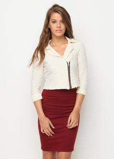 Stil Ritüeli Dantelli Fermuarlı Ceket Markafoni'de 99,99 TL yerine 49,99 TL! Satın almak için: http://www.markafoni.com/product/4911514/