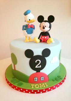 Mickey Mouse Party Decorations, Mickey Mouse Clubhouse Cake, Theme Mickey, Mickey 1st Birthdays, Mickey Mouse Clubhouse Birthday Party, Mickey Mouse Parties, Mickey Party, Disney Birthday, Pirate Party