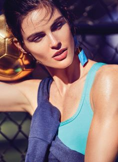 We love Hilary Rhoda in this colourful editorial for Cosmopolitan magazine. Photographed by Max Abadian and styled by Aya Kanal, the mix of athletics with fashion is inspiring us today. Hilary Rhoda, Friday Workout, Img Models, Sport Chic, Video Photography, Colorful Fashion, Sport Fashion, Beauty Women, Supermodels