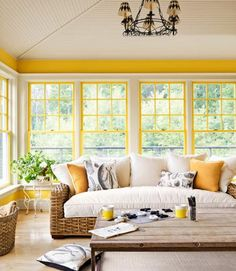 Sunroom Decorating Ideas: Creating a Beautiful Space | Decorating Files | decoratingfiles.com | #decoratingfiles #sunrooms