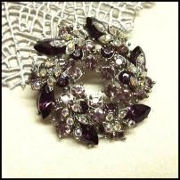 Amethyst Vintage Crystal Pin Wreath w RS Leaves 1950s Jewelry