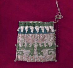 purse, silk, reversed lion fabric Sicily 13th c., Sens CT