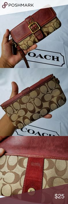 Coach Special Edition Fall 2004 Wrislet 100% Authentic  Item has been used/Normal Wear  Comes as seen in pictures   *Serious Buyers Only  **Check Out All the other items i have for sale Coach Bags Clutches & Wristlets