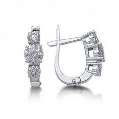 Diamond Earrings Diamond Jewelry, Gold Jewelry, Jewlery, Diamond Earrings, Jewelry Accessories, Jewelry Design, Titanic Jewelry, Tiny Earrings, Jewelry Photography