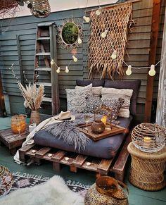Small Balcony Decor, Small Patio, Masculine Living Rooms, Backyard Creations, Design Jardin, Pallet Sofa, Garden Sofa, Backyard Patio Designs, Cozy Corner