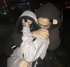 Grunge Look, Grunge Style, Relationship Goals Pictures, Cute Relationships, Cute Couples Goals, Couple Goals, Cute Emo Couples, Skater Couple, Cute Couple Pictures