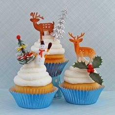 Christmas cupcake toppers - heyyoyo.com Vintage Christmas, Christmas Holidays, Christmas Crafts, Xmas, Christmas Ideas, Christmas Cupcake Toppers, Christmas Cupcakes, Cupcake Art, Cupcake Ideas