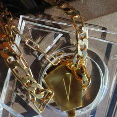 """Collar """"LEMPICKA"""" y pulseras """"OTTI"""" de Catalina D'Anglade."""