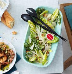 Rezept für Caesar's Salad mit Traubenkernöl bei Essen und Trinken. Und weitere Rezepte in den Kategorien Brot / Brötchen / Toast, Eier, Fisch, Gemüse, Gewürze, Milch + Milchprodukte, Vorspeise, Hauptspeise, Beilage, Salate, Einfach, Schnell.