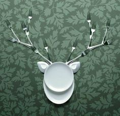 table settings turned sculpture check out this reindeer! Hilarious
