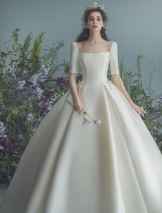 Minimal Wedding Dress, Classy Wedding Dress, Wedding Dress Trends, Bridal Wedding Dresses, Dream Wedding Dresses, Wedding Dress Sleeves, Elegant Dresses, Pretty Dresses, Fairytale Dress