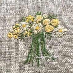 . . 花刺繍。。。 . #embroidery #embroiderythread #handmade #handembroidery #flowerembroidery #花刺繍