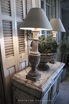 Repurposed vintage items as well as interior spaces can live many lives at the creative mercy and keen decorative sense of second chance individuals. Wood Lamp Base, Shutter Decor, Deco Addict, Old Doors, Rustic Farmhouse Decor, French Country Style, Home And Deco, Cool Ideas, Decoration
