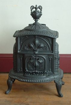 Victorian Parlor Stove - 1865 Ivy