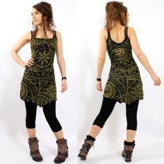 "Robe gado gado ""electra polynesian"", kaki-noir taille s Mode Hippie, Mode Boho, Looks Hippie, Look Boho Chic, Casual Outfits, Cute Outfits, Mode Inspiration, Mannequins, Boho Dress"