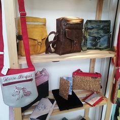 ploqi pic sur Instagram: Merci à la boutique quai des créateurs de m'accueillir 🤩 vous y trouverez plusieurs sacs et portefeuilles de ma…