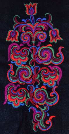 Folk Embroidery Design Hello all, The East Telemark costume is known for its embroidery, and also for the elaborate ornament on both stockings and shoes. Folk Embroidery, Embroidery Patterns, Machine Embroidery, Scandinavian Embroidery, Antique Quilts, Embroidery Techniques, Rug Hooking, Abstract Pattern, Fiber Art