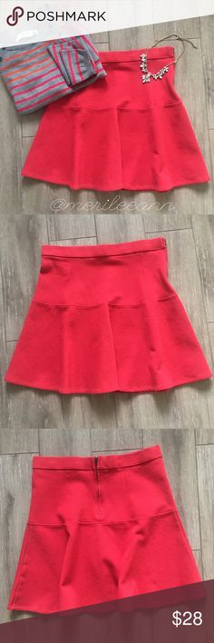 """Madewell Red Trumpet Skirt This darling red skirt is perfect with tights or without. It hurts to sell it, but it no longer fits. Worn 2-3 x. ✨Measures: 17"""" L. 14"""" waist flat/unstretched. Thicker fabric. Can fit up to an 8, I think, due to the stretch. Please see measures above! 84/14/2 Cotton, Nylon, Spandex.✨Excellent condition! (Get this look! Sweater also available) 💕 Madewell Skirts"""