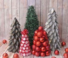 Alberelli di Natale con cucchiaini di plastica http://www.lovediy.it/alberelli-di-natale-con-cucchiaini-di-plastica/ Per le appassionate di fai da te, iniziano i preparativi di #Natale!