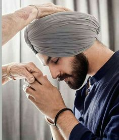 Poo 👑 Punjabi Fashion, Indian Men Fashion, Mens Fashion Suits, Fashion Hub, Man Fashion, Fashion 2020, Punjabi Kurta Pajama Men, Punjabi Boys, Punjabi Couple