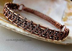 New bracelet with two different weaves and a hinge
