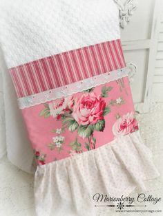 Cottage pink Retro barefoot Roses kitchen towel