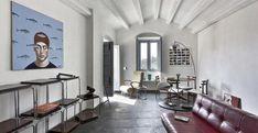 Casa Francavilla. Il soggiorno originariamente nel '600 era probabilmente la terrazza dell'abitazione: nella rivisitazione di Studio GUM resta l'ambiente più luminoso della casa.