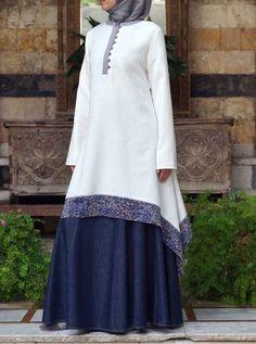 Fashion Arabic Style Illustration Description Hijab Fashion Printed Hem Tunic – Read More – Hijab Fashion 2016, Abaya Fashion, Modest Fashion, Fashion Dresses, Fashion 2018, Abaya Designs, Islamic Fashion, Muslim Fashion, Modest Dresses