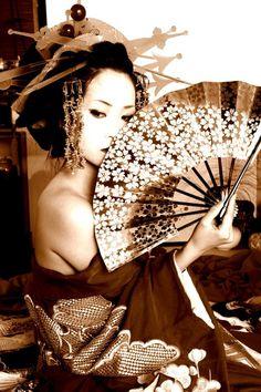 beautiful geisha.