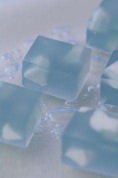 wagashi: drifting ice in the sea of Okhotsk オホーツクの海に思いを寄せて 和菓子 流氷 : ふつうのコト