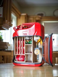 The Classic Mixer The original jerry can minibar. It comes fully equipped with a mounted optic, wood Crafty Projects, Fun Projects, Jerry Can Mini Bar, Diy Locker, Wooden Main Door Design, Liquor Dispenser, Wine Gift Baskets, Basket Gift, Diy Gifts For Men