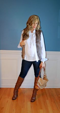 Faux Fur for Fall. Pregnancy Fashion Winter, Winter Maternity Outfits, Fall Maternity, Stylish Maternity, Maternity Dresses, Maternity Fashion, Mom Outfits, Fashion Outfits, Fashion Fashion