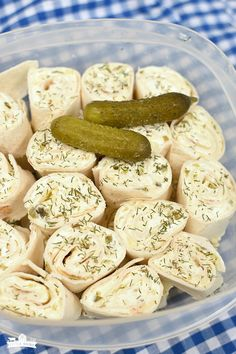 pinwheels Dill Pickle Rollups - for pickle lovers Make Ahead Appetizers, Cold Appetizers, Finger Food Appetizers, Appetizer Recipes, Snack Recipes, Cooking Recipes, Appetizer Ideas, Detox Recipes, Cream Cheese Appetizers