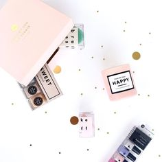 Sweet sunday morning!! No better way to start each day than with tons of color & joy!! #toystyle #nailpolish #5free #healthy #vegan #soycandle #neutrals #softpink #pastels #makeuptools