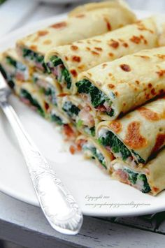 Szpinak, feta i szynka parmeńska. Aesthetic Food, Food Design, Food Videos, Food Inspiration, Love Food, Appetizer Recipes, Great Recipes, Food To Make, Food Porn