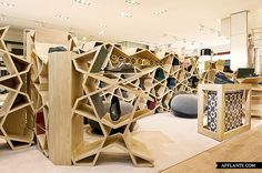 Retail Design | Footware | Store Design | Shop Interiors | Sergio Rossi Shop // Younes Duret Design | Afflante.com