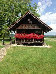 Swiss House, Swiss Cottage, Cozy Cottage, Alpine Chalet, Swiss Chalet, Swiss Ski, Alpine House, German Houses, Prefab Cabins