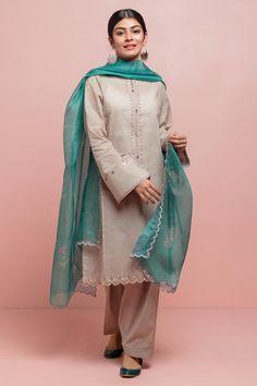 Wedding Dresses Pakistani Girls Ideas For 2019 Source by dress pakistani Pakistani Dresses Casual, Pakistani Dress Design, Indian Dresses, Indian Outfits, Pakistani Clothing, Dresses Short, Simple Dresses, Casual Dresses, Fashion Dresses