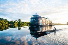 This Floating Hotel Is Styling Up The Amazon | CONTEMPORIST