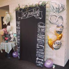 ★ フォトブース ・ ・ イヤになりながらも描ききったこちらは 最終こんな感じになりました☺️ ・ 上にはドライフラワーをつけました♡ 挙式当日、 メイクルームに入ると可愛い バルーン電報が2つも ・ さっそくこちらに飾ってもらいました♡ ・ なぜかパープルのバルーンが2つ転がってた ・ #プレ花嫁 #卒花 #卒花嫁 #結婚式 #ウェディング #wedding #フォトブース #photobooth #フォトプロップス #photoprops #黒板 #黒板アート #blackboard #ウェディングDIY #DIY #ハンドメイド #バルーン #ドライフラワー