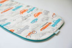 "Universal, Natural and Reversible Pram Liner / Stroller Liner ""Retro Cars"" cotton with aqua piping for baby boy, Bugaboo, Peg Perego, Inglesina, McLaren designed by strollababy / perfect baby shower gift / organic cotton stroller liner / modern and bright pram liner for baby boy"