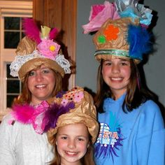 Looking for a fun and fabulous Kentucky Derby party craft? Make some gorgeous paper bag hats! Find directions for making fun Kentucky Derby party hats. Crazy Hat Day, Crazy Hats, Paper Bag Crafts, Hat Crafts, Diy Paper, Old Lady Costume, Homecoming Spirit Week, Mad Hatter Costumes, Mad Tea Parties