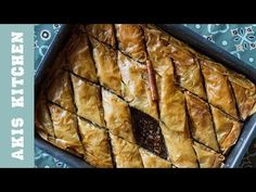 Traditional Greek baklava recipe by Greek Akis Petretzikis. A rich, buttery sweet pastry with nuts and syrup between layers and layers of super crunchy phyllo! Greek Sweets, Greek Desserts, Greek Recipes, Party Desserts, Vasilopita Recipe, Nut Roll Recipe, Greek Baklava, Greek Cookies, Baklava Recipe