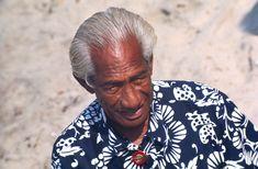 As a dark-skinned athlete in a time of overt racism, Duke Kahanamoku took a lot of crap but never lost his sense of aloha. King Kamehameha, Surf News, Aloha Shirt, Historian, White Women, Duke, Surfing, Men Casual, Couple Photos