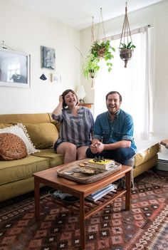 House Tour: An Apartment With a Chill 1970s Feel | Apartment Therapy