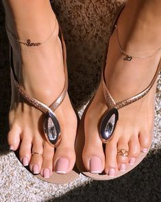 I wasn't even gonna post anymore today but my boo killed this PERFECT French pedi, sheesh so sexy 🔥😩🤤😍 Pretty Toe Nails, Pretty Toes, Pretty Hands, Gold Simple Engagement Ring, Pies Sexy, Nice Toes, Beautiful Toes, Hot High Heels, Sexy Toes
